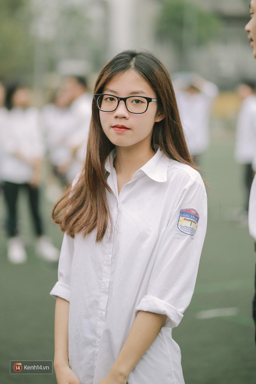 Teen Chu Văn An rạng rỡ ngày xếp chữ chia tay tuổi học trò - Ảnh 11.