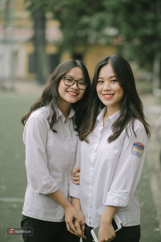 Teen Chu Văn An rạng rỡ ngày xếp chữ chia tay tuổi học trò - Ảnh 3.