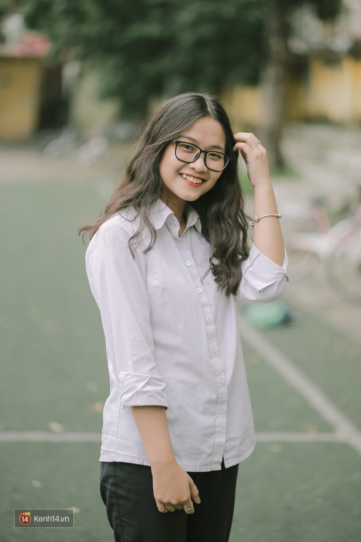 Teen Chu Văn An rạng rỡ ngày xếp chữ chia tay tuổi học trò - Ảnh 4.