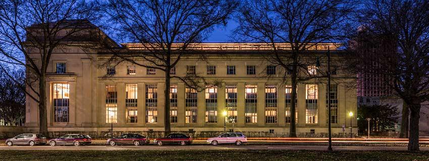 Ngắm kiến trúc độc đáo của MIT - trường ĐH được xếp hạng tốt nhất thế giới 7 năm liên tiếp - Ảnh 4.