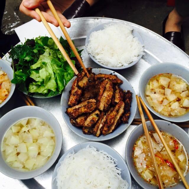 Những quán ở Hà Nội có giờ mở cửa rất dị nhưng vẫn luôn đông khách - Ảnh 7.