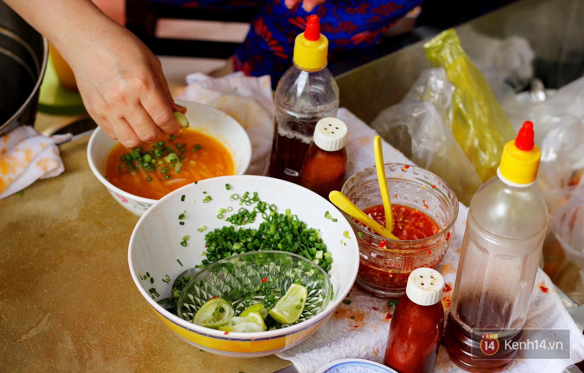 Đây đích thị là hàng bánh canh bán sướng nhất Sài Gòn: mỗi ngày chỉ cần bán 1 tiếng là hết sạch - Ảnh 5.
