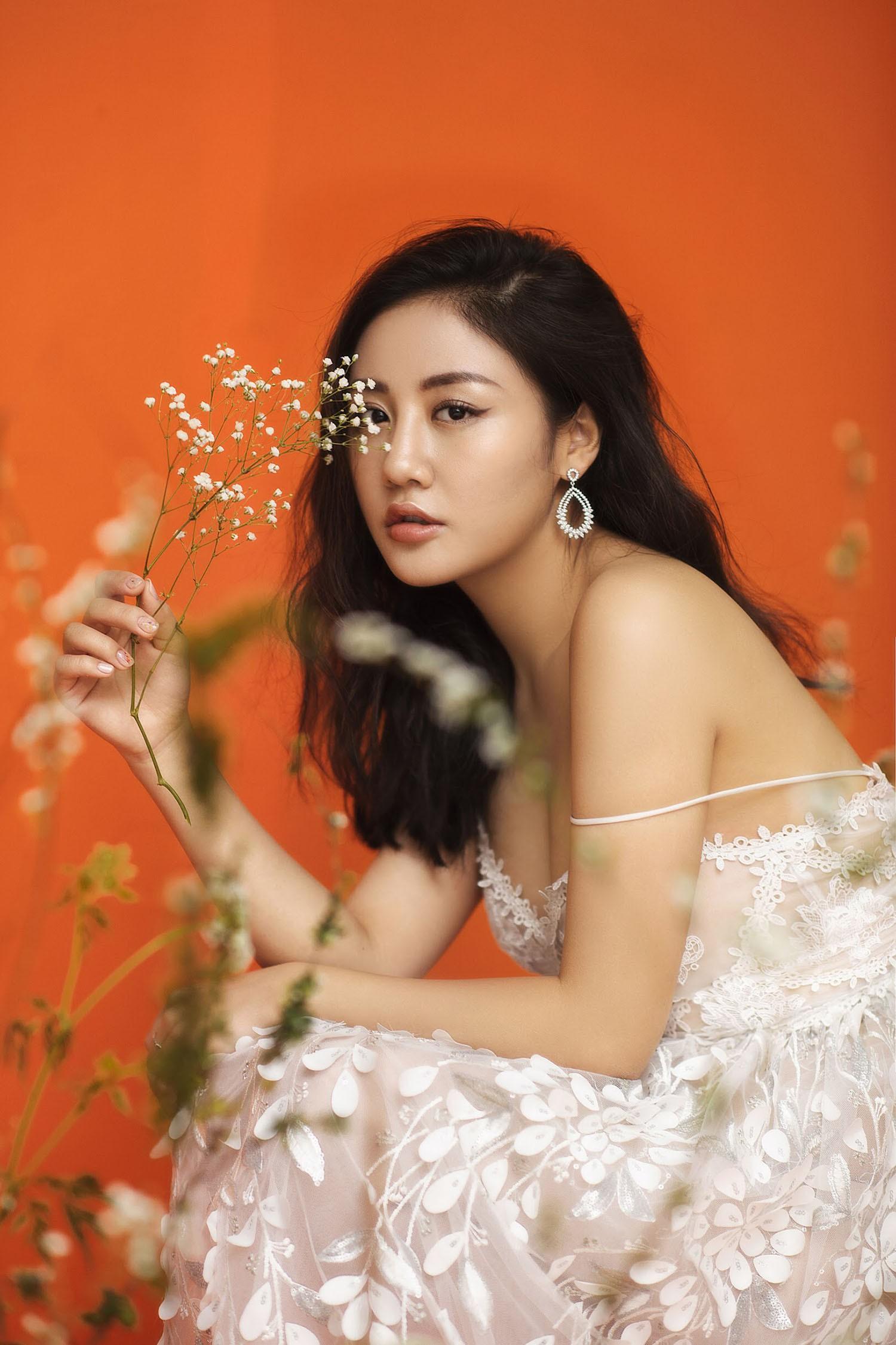 Văn Mai Hương trải lòng về chuyện tình khó quên bằng ca khúc dành cho tháng Ba - Ảnh 5.