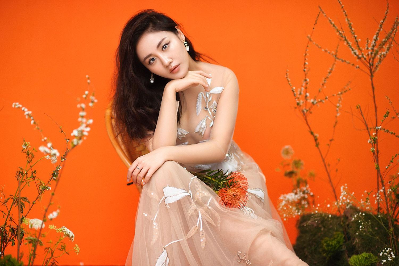 Văn Mai Hương trải lòng về chuyện tình khó quên bằng ca khúc dành cho tháng Ba - Ảnh 3.