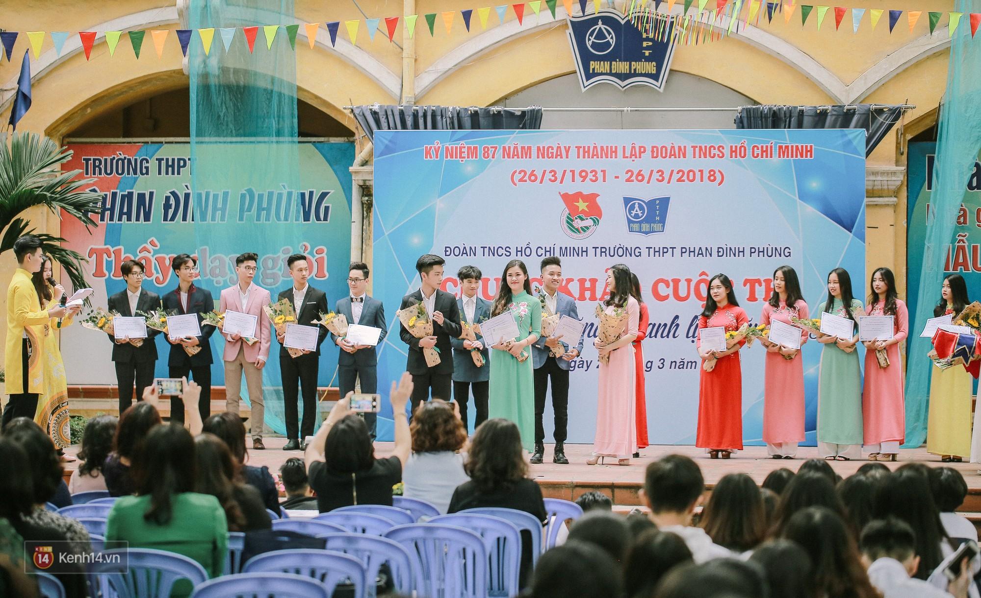 Cuộc thi Học sinh thanh lịch của Phan Đình Phùng tìm được cặp Đại sứ mới, hot boy cầm cờ chiếm spotlight - Ảnh 1.
