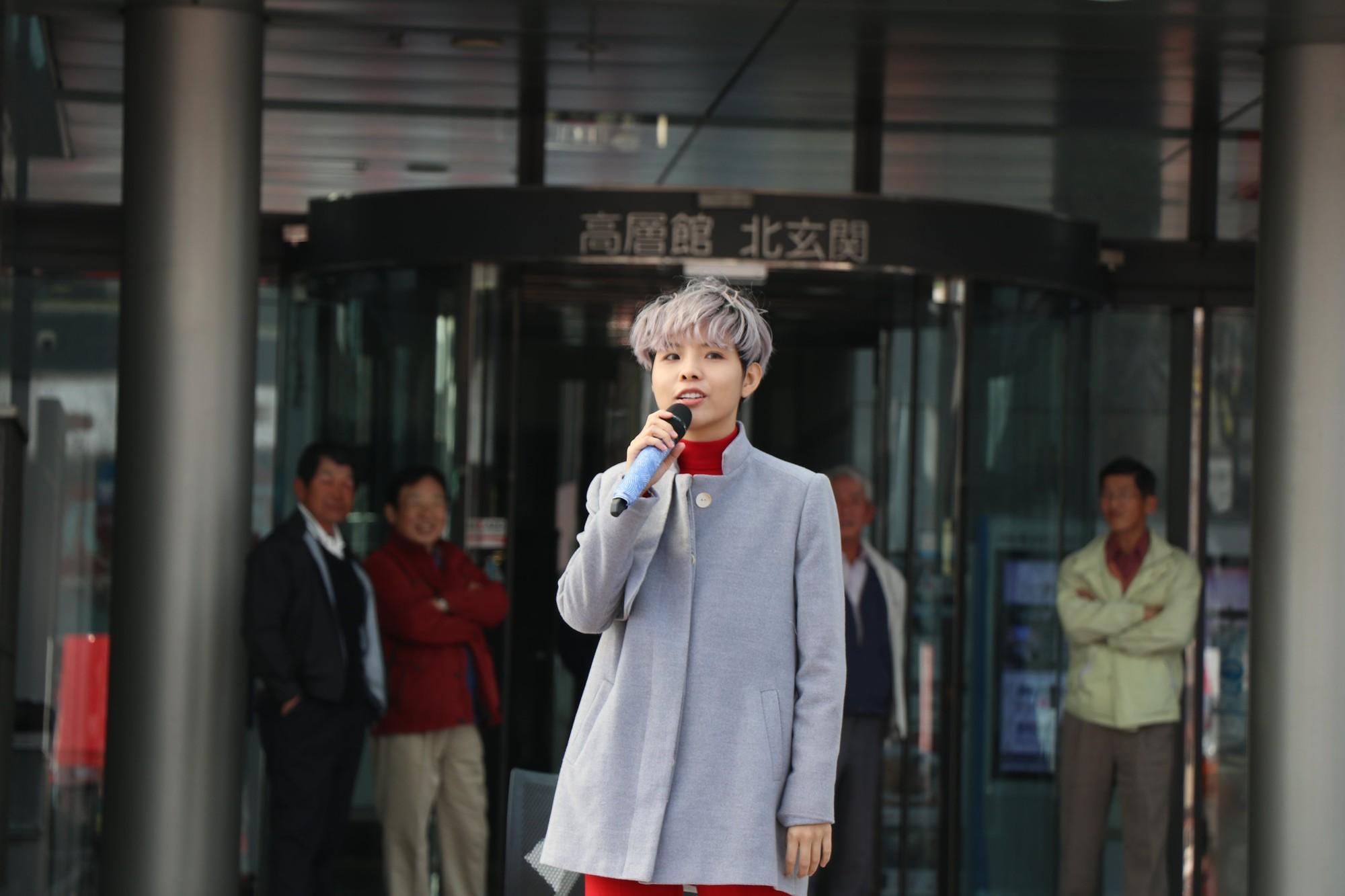 Vũ Cát Tường đến Nhật, quậy tưng bừng cùng du học sinh tại Lễ hội văn hóa Việt Nam 2018 - Ảnh 2.