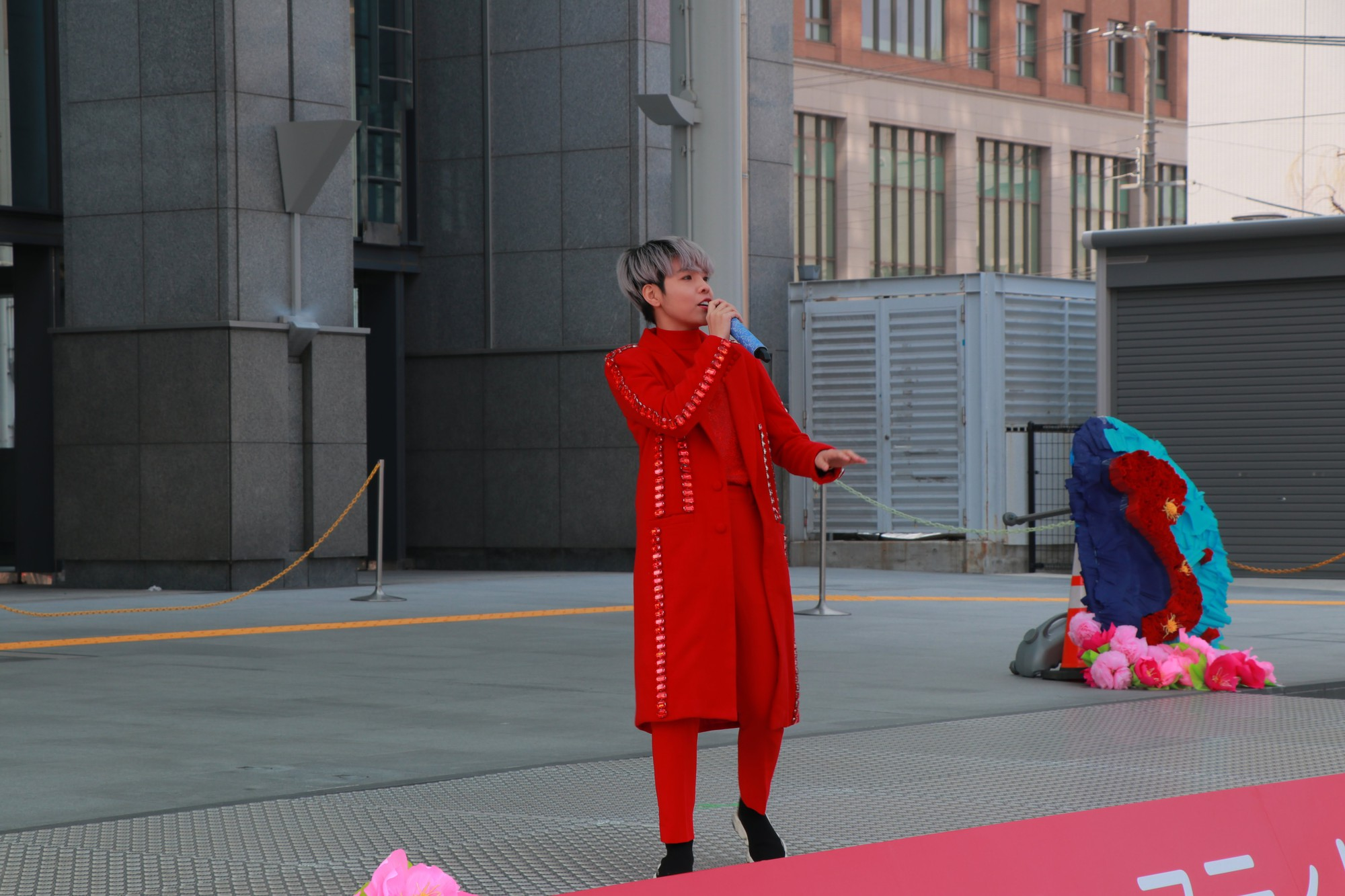 Vũ Cát Tường đến Nhật, quậy tưng bừng cùng du học sinh tại Lễ hội văn hóa Việt Nam 2018 - Ảnh 3.