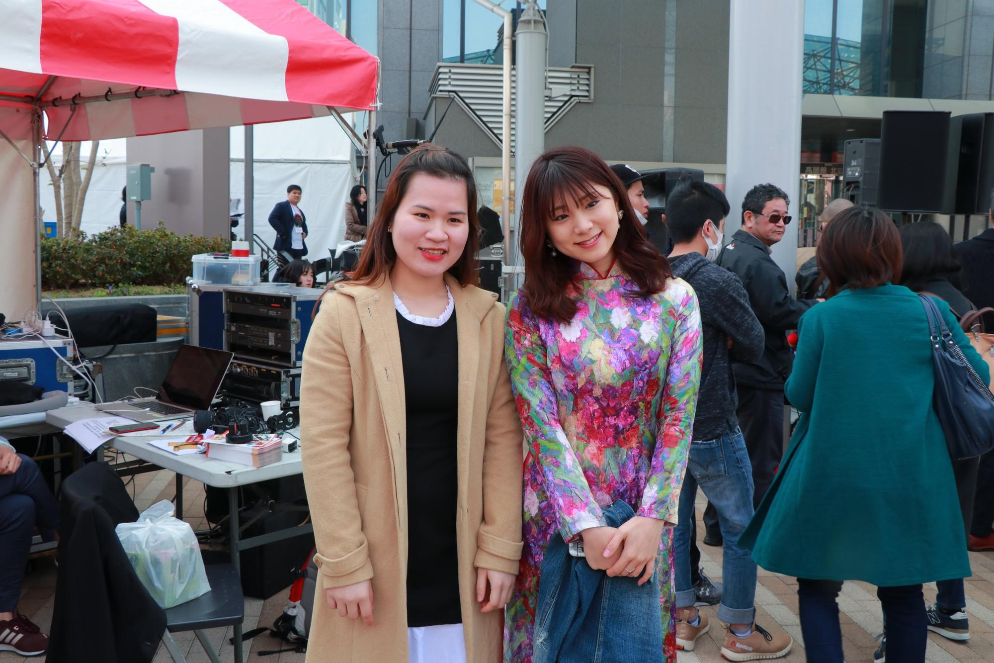 Vũ Cát Tường đến Nhật, quậy tưng bừng cùng du học sinh tại Lễ hội văn hóa Việt Nam 2018 - Ảnh 6.