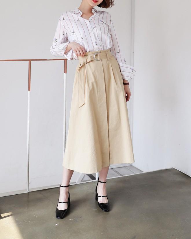 Cần gì đầu tư cầu kỳ, chân váy dài chính là