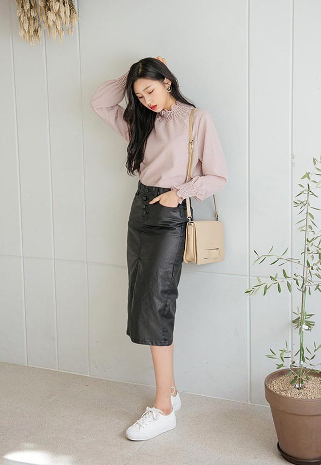 Cần gì đầu tư cầu kỳ, chân váy dài chính là bảo bối hợp cả thời trang lẫn thời tiết dành cho nàng công sở - Ảnh 14.