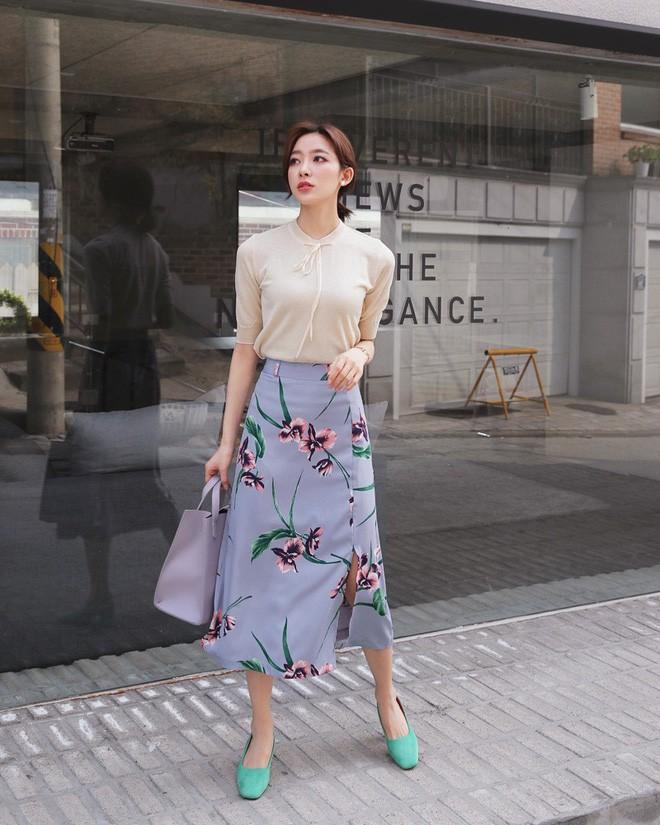 Cần gì đầu tư cầu kỳ, chân váy dài chính là bảo bối hợp cả thời trang lẫn thời tiết dành cho nàng công sở - Ảnh 4.