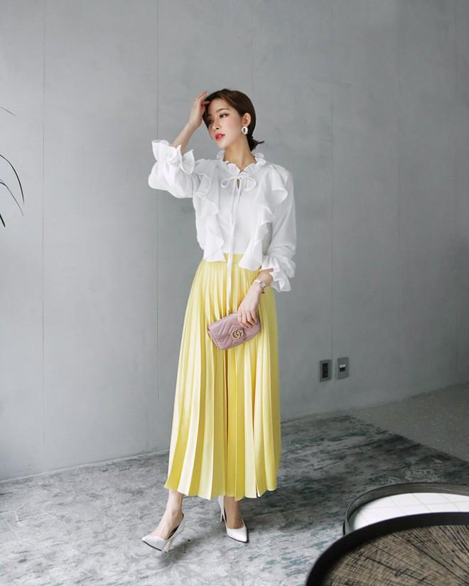 Cần gì đầu tư cầu kỳ, chân váy dài chính là bảo bối hợp cả thời trang lẫn thời tiết dành cho nàng công sở - Ảnh 9.
