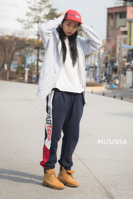 """Tuyệt chiêu để """"lúc nào cũng mặc đẹp"""" của con gái Hàn nằm cả ở 12 món đồ và cách mix này - Ảnh 22."""