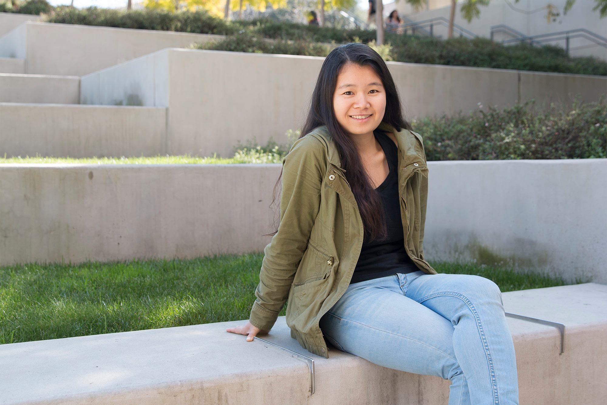 Fanpage ĐH Stanford chia sẻ câu chuyện vượt qua nỗi sợ đám đông của Huyền Chip - Ảnh 1.