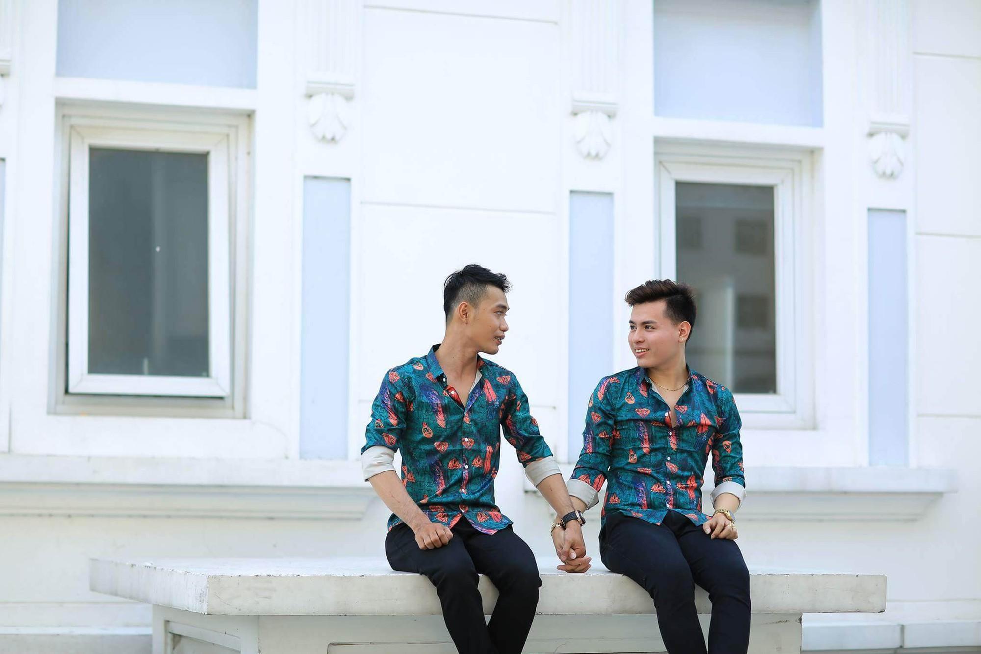 Phía sau clip đám cưới đồng tính gây xôn xao là câu chuyện tình nhiều trắc trở, mất 3 năm để thuyết phục cha mẹ của 2 chàng trai trẻ - Ảnh 2.