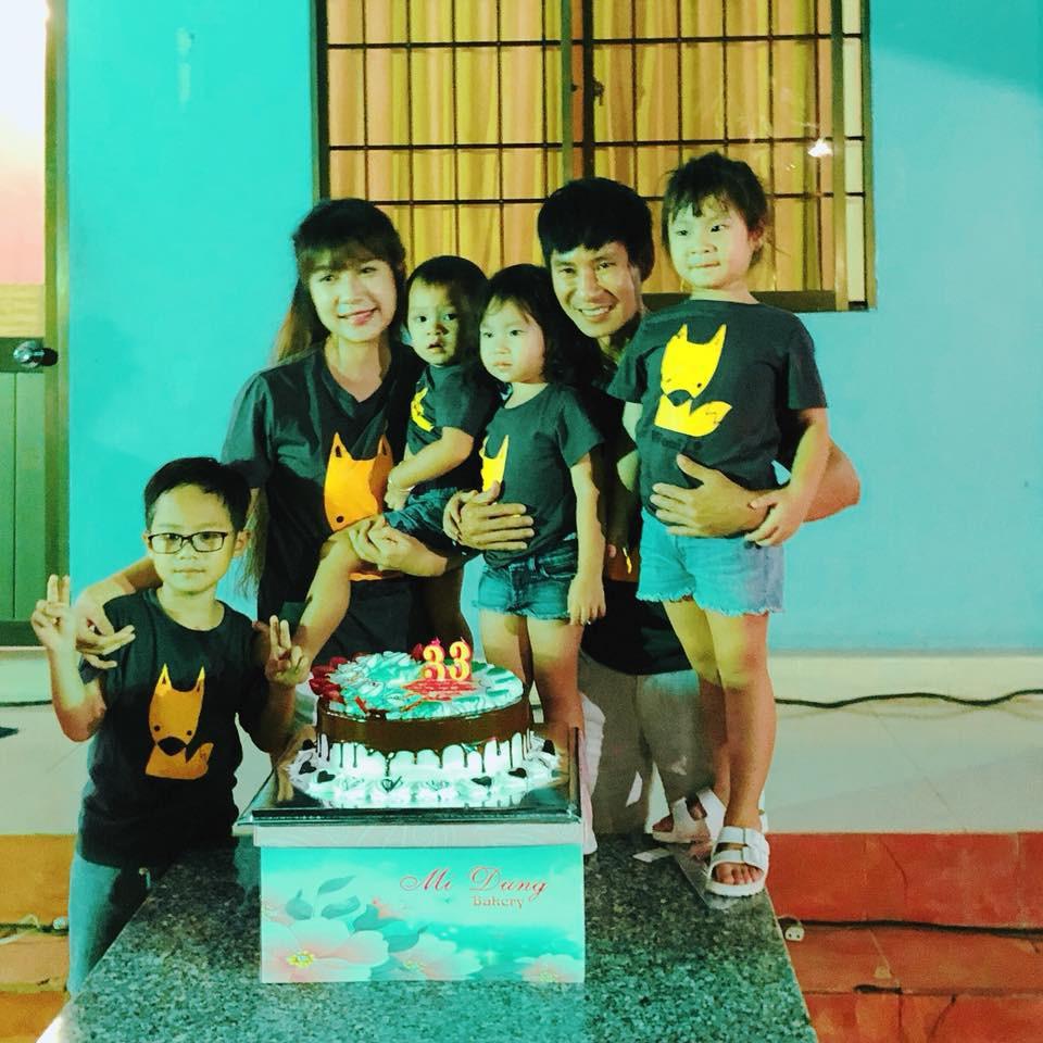 Không xa hoa sang chảnh, Lý Hải cùng các con tổ chức sinh nhật giản dị cho bà xã Minh Hà - Ảnh 1.