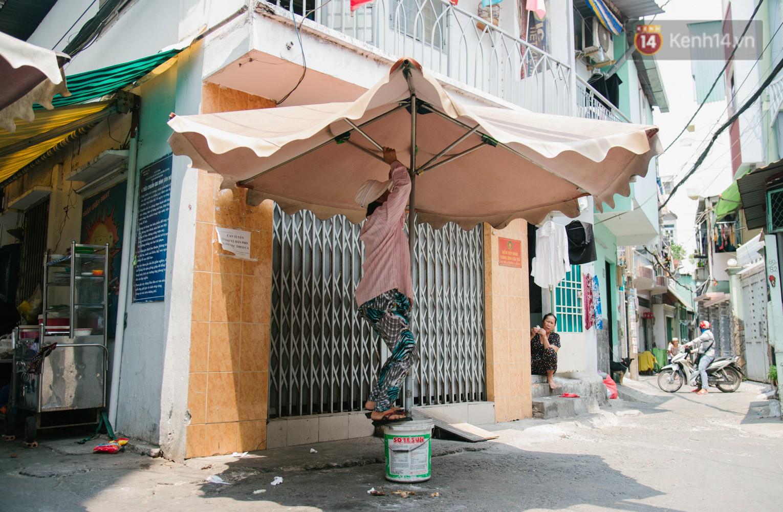 """Cô bán cơm dễ thương hết sức ở Sài Gòn: 10 ngàn cũng bán, khách nhiêu tiền cũng có cơm ăn"""" - Ảnh 11."""