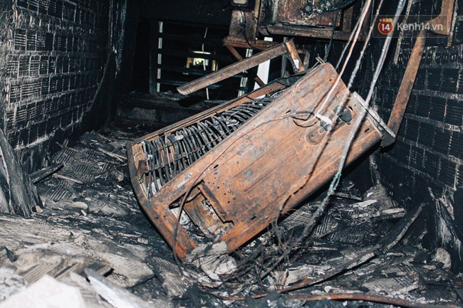 Khổ như cư dân chung cư Carina sau vụ cháy: Cõng tủ lạnh xuống mấy tầng lầu, dùng ròng rọc chuyển đồ nhiều ngày liền - Ảnh 8.