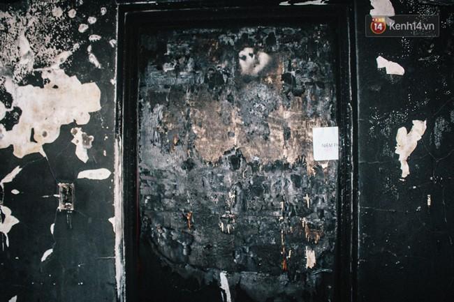 Khổ như cư dân chung cư Carina sau vụ cháy: Cõng tủ lạnh xuống mấy tầng lầu, dùng ròng rọc chuyển đồ nhiều ngày liền - Ảnh 10.