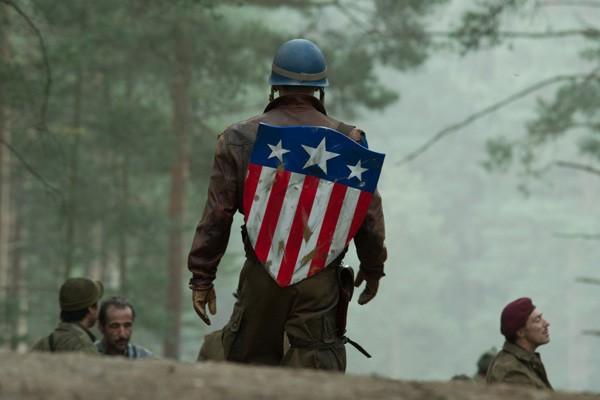 """Ngắm nghía sự nghiệp 7 năm cầm khiên của """"soái lão"""" Captain America - Ảnh 8."""