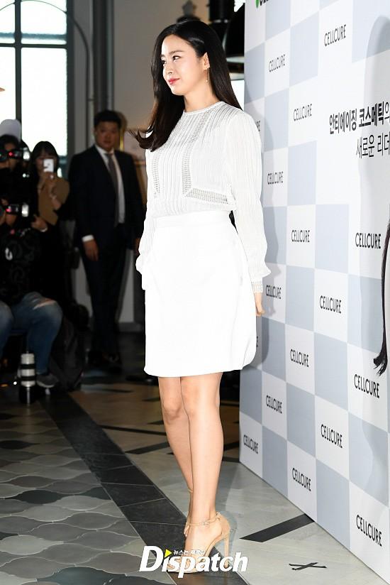 Kim Tae Hee lộ diện chính thức hậu sinh con: Đẹp khó tin, nhưng vóc dáng của cô mới là điều gây bất ngờ nhất - Ảnh 2.