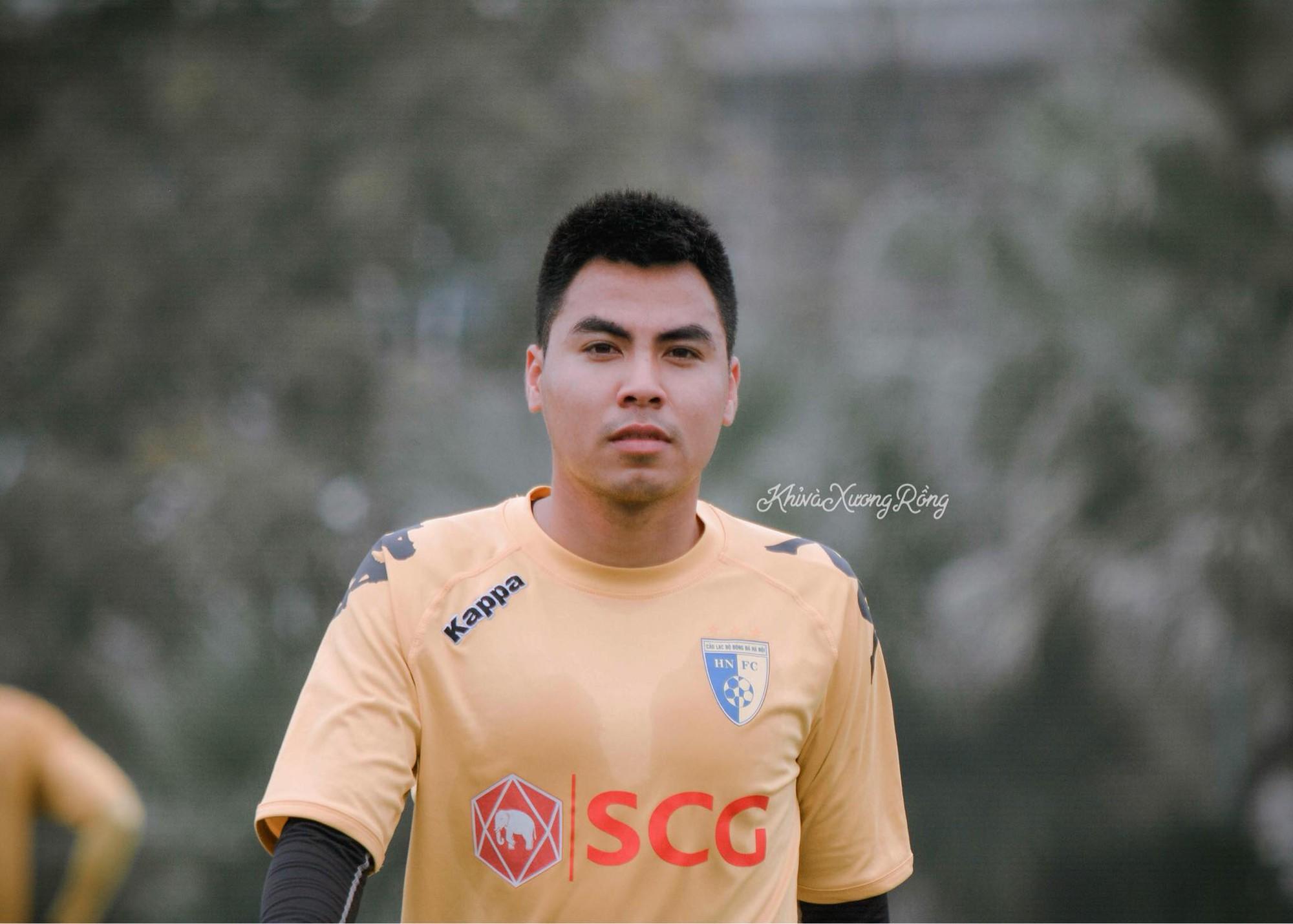 """Từ những cô nàng chẳng biết gì về bóng đá, đến """"Fandom quốc dân"""" dễ thương nhất, văn minh nhất của U23 Việt Nam - Ảnh 11."""