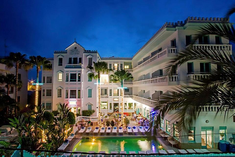 Messi mua lại khách sạn đắt giá ở đảo thiên đường - Ảnh 2.