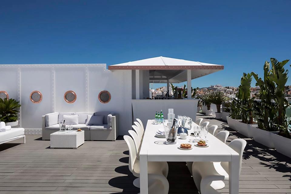 Messi mua lại khách sạn đắt giá ở đảo thiên đường - Ảnh 4.