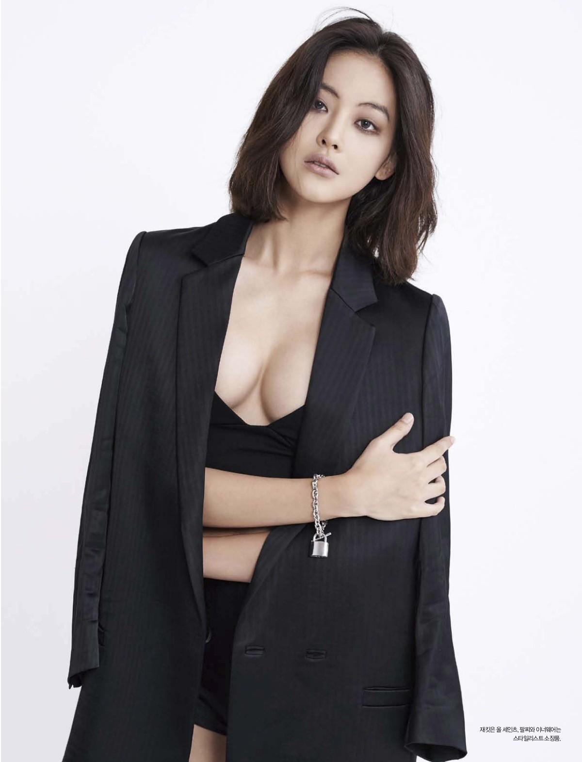 Bạn gái Kim Bum: Mỹ nhân sở hữu combo mặt xinh và body nóng bỏng, nhưng bị tố dao kéo và giả tạo - Ảnh 9.
