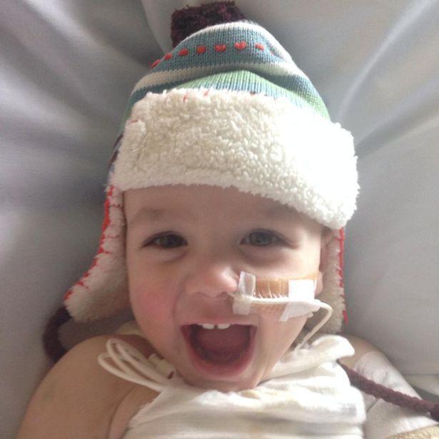 Cứ ngỡ con chỉ bị cảm lạnh, mẹ chết lặng khi bác sĩ yêu cầu cắt bỏ một chân của bé để bảo toàn mạng sống - Ảnh 3.
