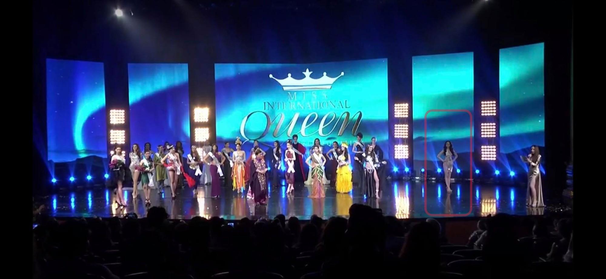 Khoảnh khắc Hương Giang một mình trong góc tối rồi toả sáng trên sân khấu với giải Tài năng đang hot trên mạng xã hội - Ảnh 1.