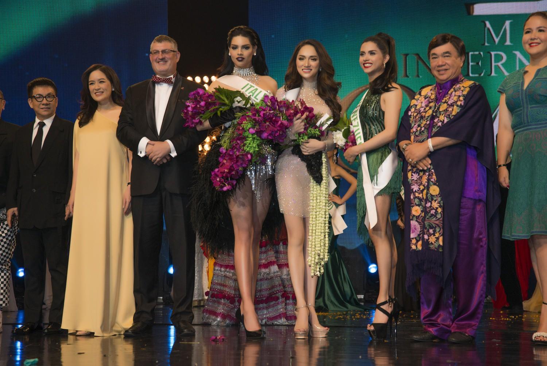 Hương Giang xuất sắc chiến thắng giải Tài năng tại Hoa hậu Chuyển giới Quốc tế 2018 - Ảnh 3.