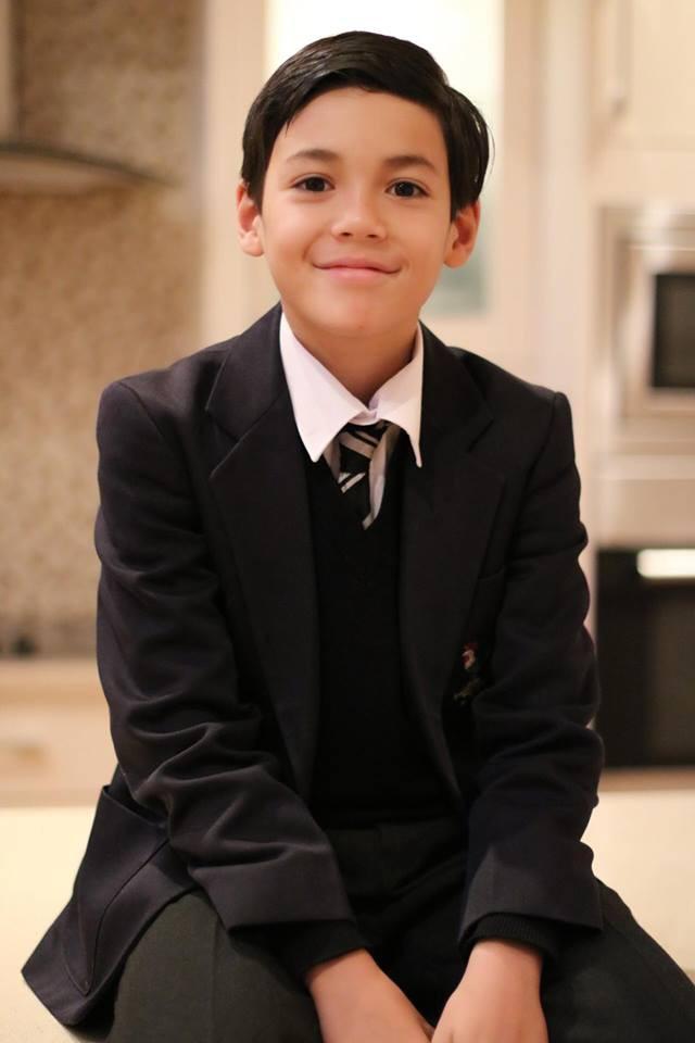 Cậu bé lai người Thái Lan gây sốt vì quá đẹp trai và được ví là David Beckham mới - Ảnh 11.