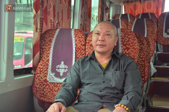 Ông chủ xe khách nhiều năm chở miễn phí bệnh nhân ung thư và bệnh thận: Giúp được họ, tôi hạnh phúc lắm! - Ảnh 2.