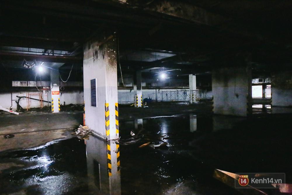 Ớn lạnh hiện trường nơi ngọn lửa bùng phát tại hầm chung cư Carina khiến 13 người tử vong - Ảnh 2.