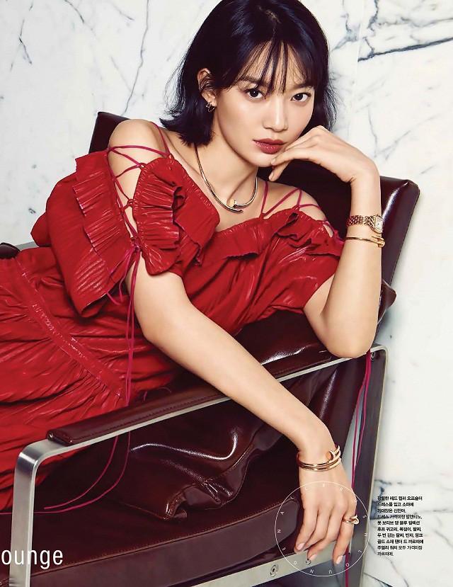 Shin Min Ah lột xác hoàn toàn sau khi Kim Woo Bin đổ bệnh: Từ ngây thơ thành mặn mà, sắc sảo - Ảnh 11.