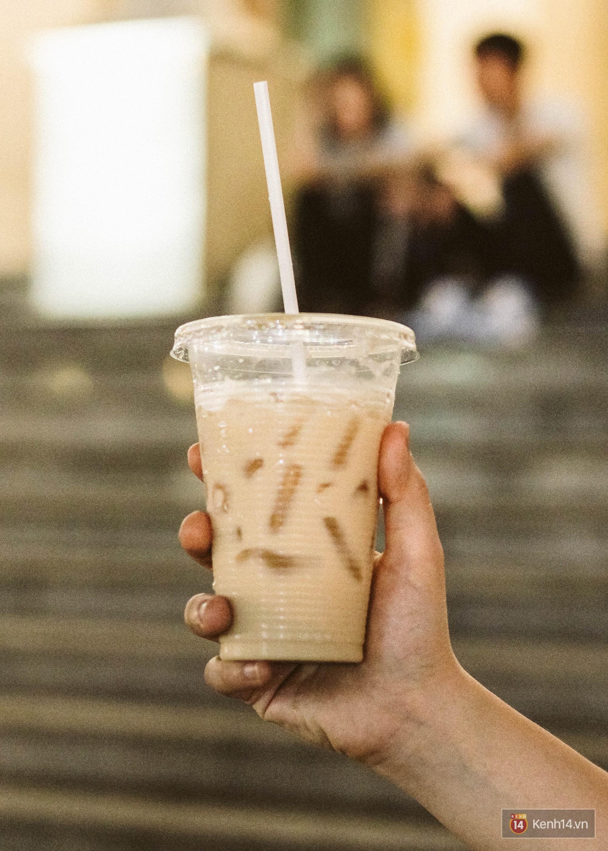Quán trà sữa huyền thoại không bàn ghế, không biển hiệu nhưng ai cũng biết ở Sài Gòn - Ảnh 14.
