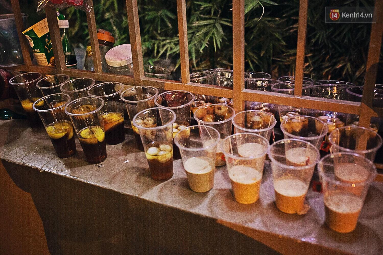 Quán trà sữa huyền thoại không bàn ghế, không biển hiệu nhưng ai cũng biết ở Sài Gòn - Ảnh 4.