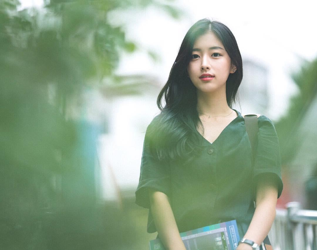 Nhan sắc nhẹ nhàng đúng chuẩn mối tình đầu của cô bạn đến từ Hàn Quốc - Ảnh 2.