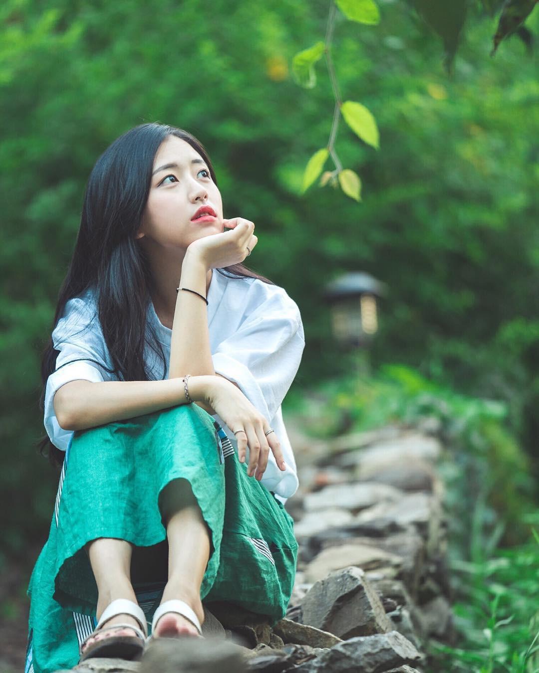 Nhan sắc nhẹ nhàng đúng chuẩn mối tình đầu của cô bạn đến từ Hàn Quốc - Ảnh 7.