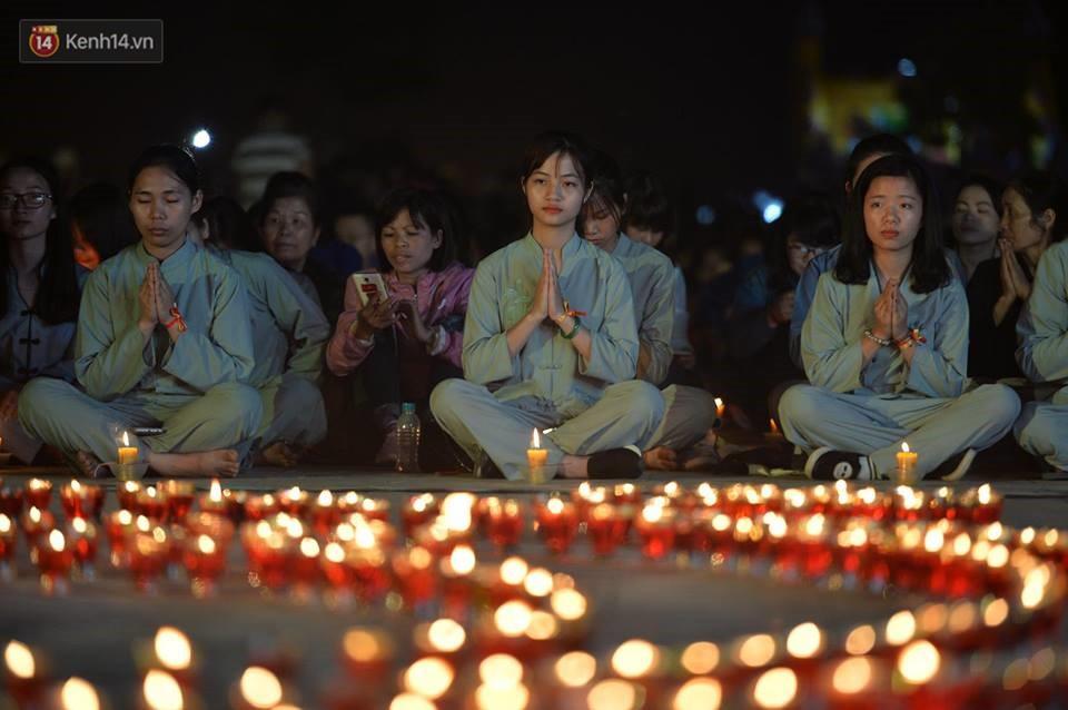Tam Đảo ùn tắc nghiêm trọng sau lễ hội hoa đăng Tây Thiên: Phật tử, du khách chôn chân ngoài đường - Ảnh 10.