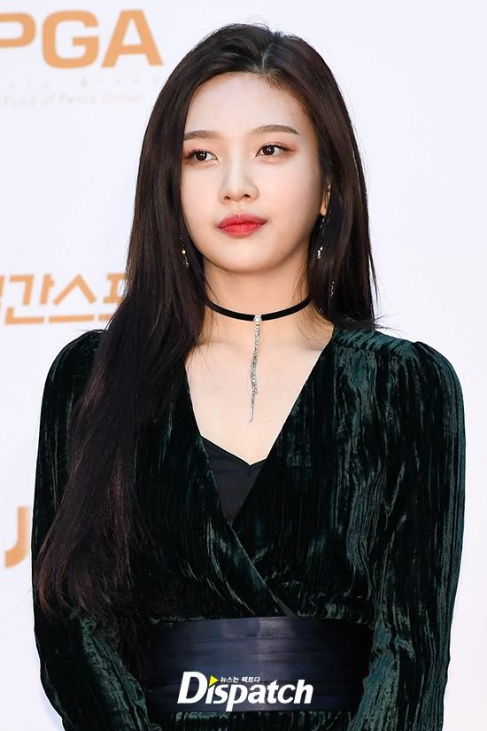 Joy đột ngột không đến Triều Tiên biểu diễn cùng Red Velvet, hứng đủ