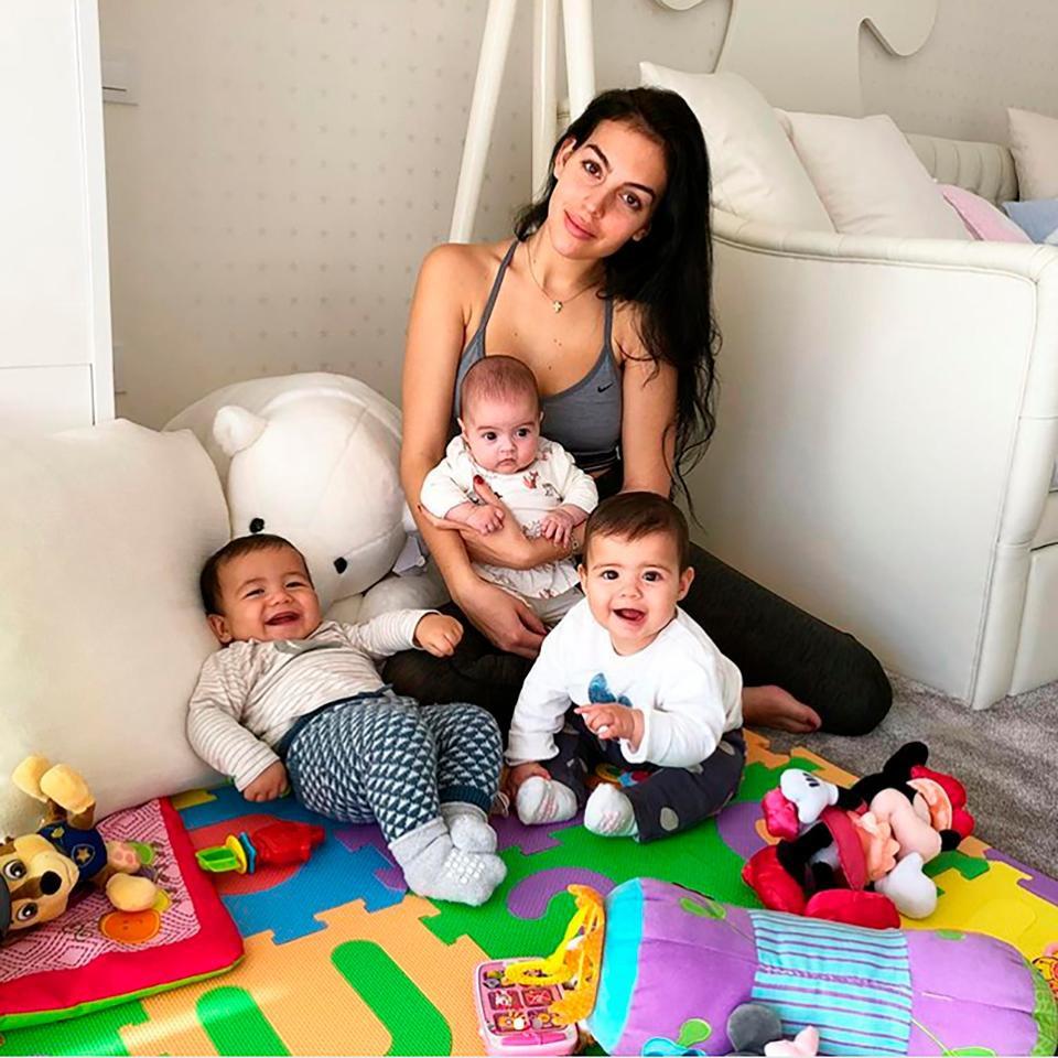 Nhà đã đủ đầy, Georgina không muốn sinh thêm con cho Ronaldo - Ảnh 1.
