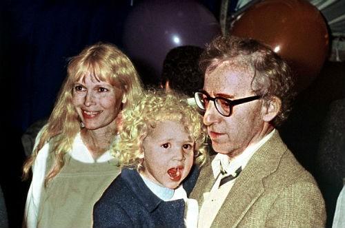Loạt scandal khiến cả Hollywood nổi da gà: Bố cưới con gái, em hôn môi anh ruột đắm đuối - Ảnh 4.