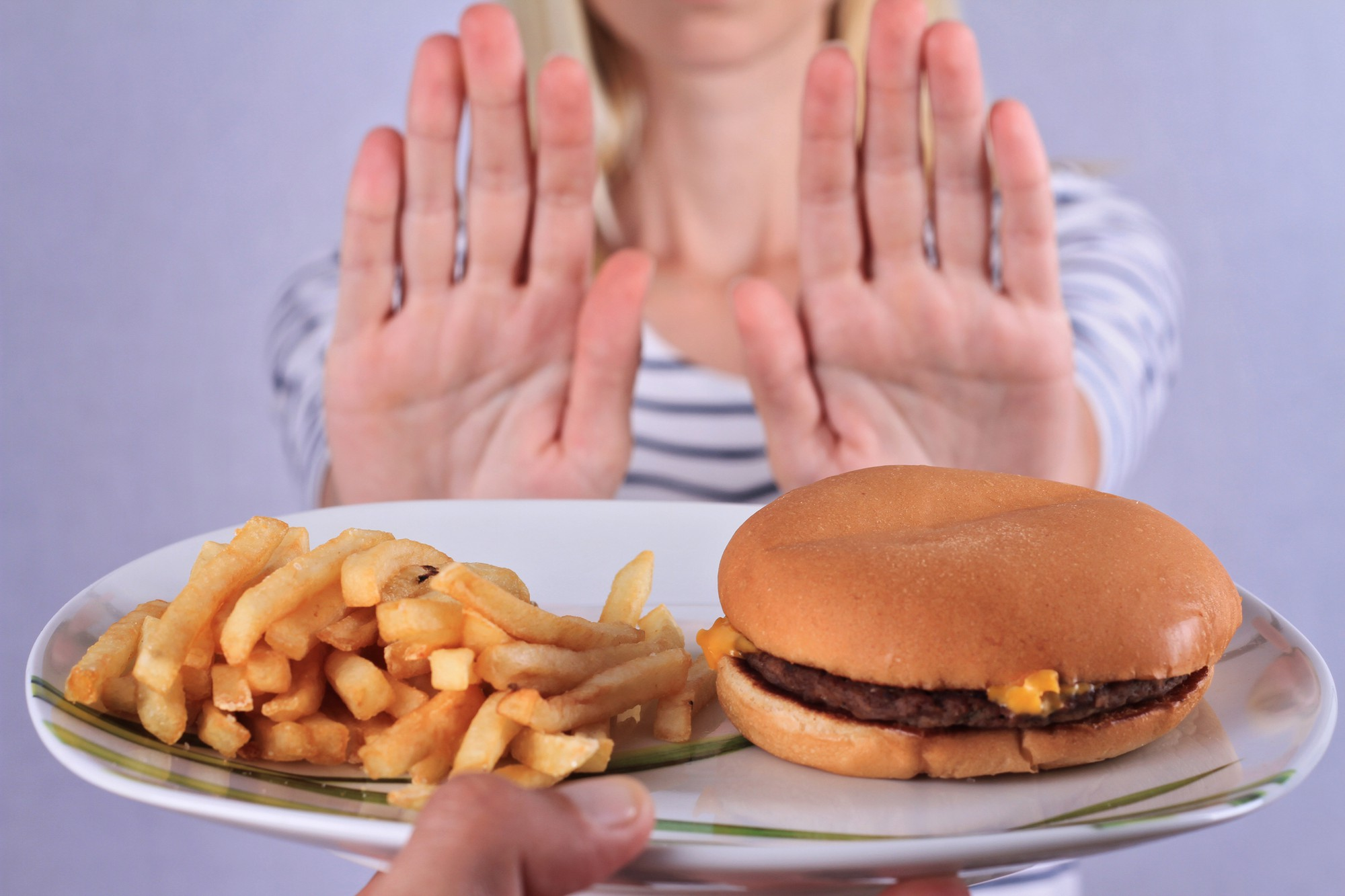 Image result for mệt mỏi khiến ăn nhiều hơn