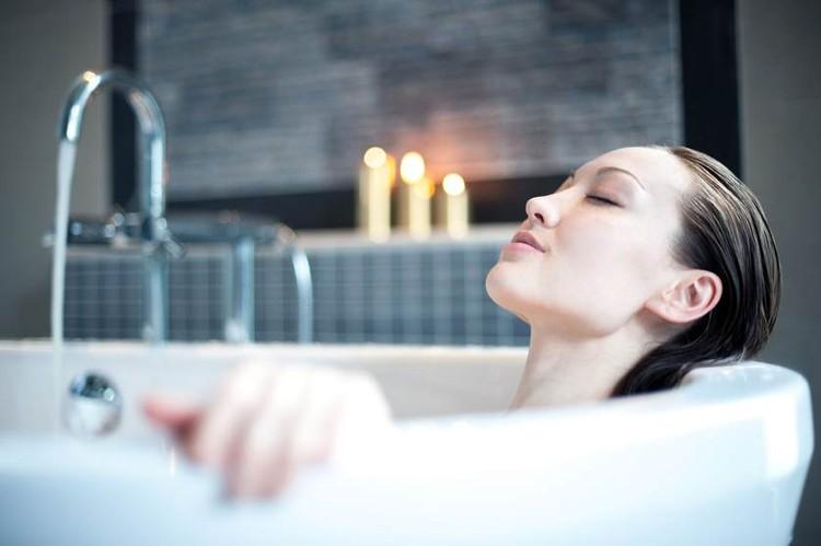 Chủ quan khi tắm vào những thời điểm này chỉ khiến nguy cơ đột quỵ tăng cao - Ảnh 6.