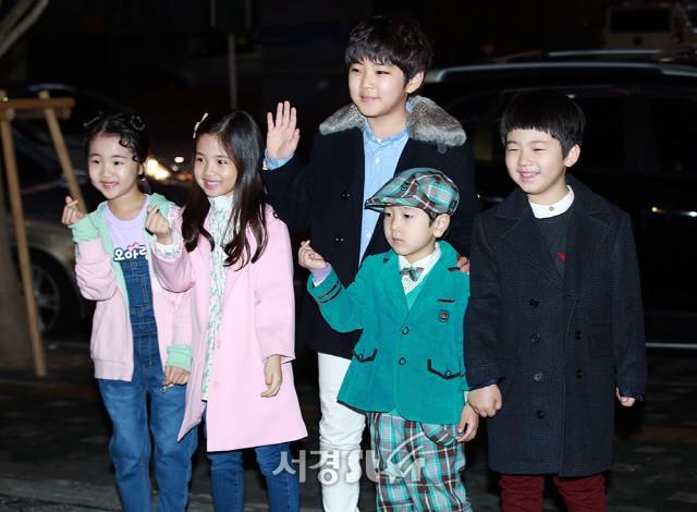 Tiệc mừng công phim Hoa du ký: Mỹ nhân Oh Yeon Seo mặt sưng vù bóng nhẫy, bị nàng cương thi dìm thậm tệ - Ảnh 28.
