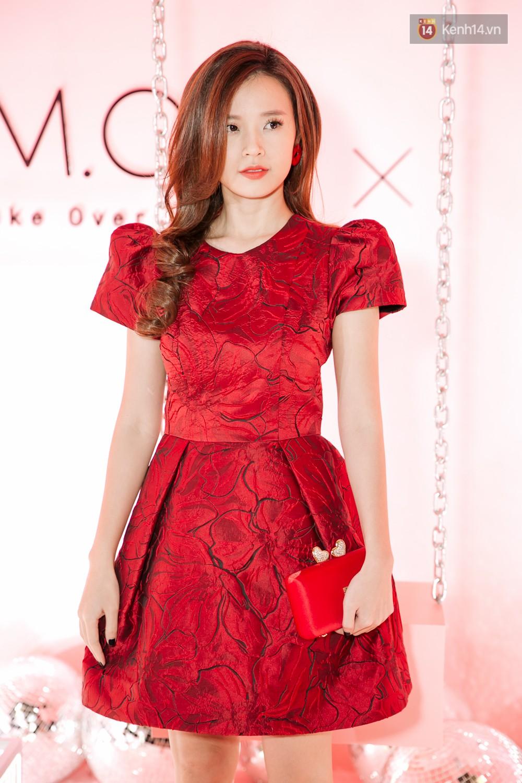 Hà Hồ diện váy táo bạo khoe vòng 1 sexy, dính như sam bên Kim Lý tại sự kiện - Ảnh 8.