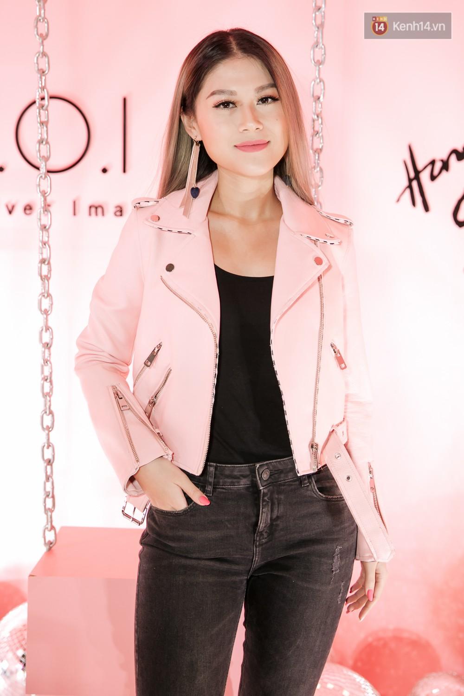 Hà Hồ diện váy táo bạo khoe vòng 1 sexy, dính như sam bên Kim Lý tại sự kiện - Ảnh 15.