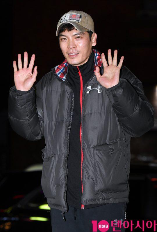 Tiệc mừng công phim Hoa du ký: Mỹ nhân Oh Yeon Seo mặt sưng vù bóng nhẫy, bị nàng cương thi dìm thậm tệ - Ảnh 24.